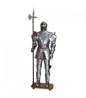 armure médiévale avec la lance