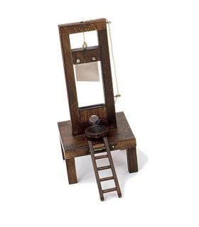 guillotine française (14x14x31 cm.)