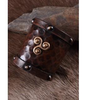 Bracelet viking en cuir avec Trisquel