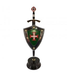 Jeu de Croix des Templiers Coup de pied , ouvre-lettre, portant le bouclier et stand