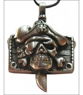 Pendentif tête de pirate