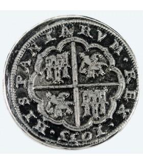Coin 8 réaux d'argent, 3,5 cm.
